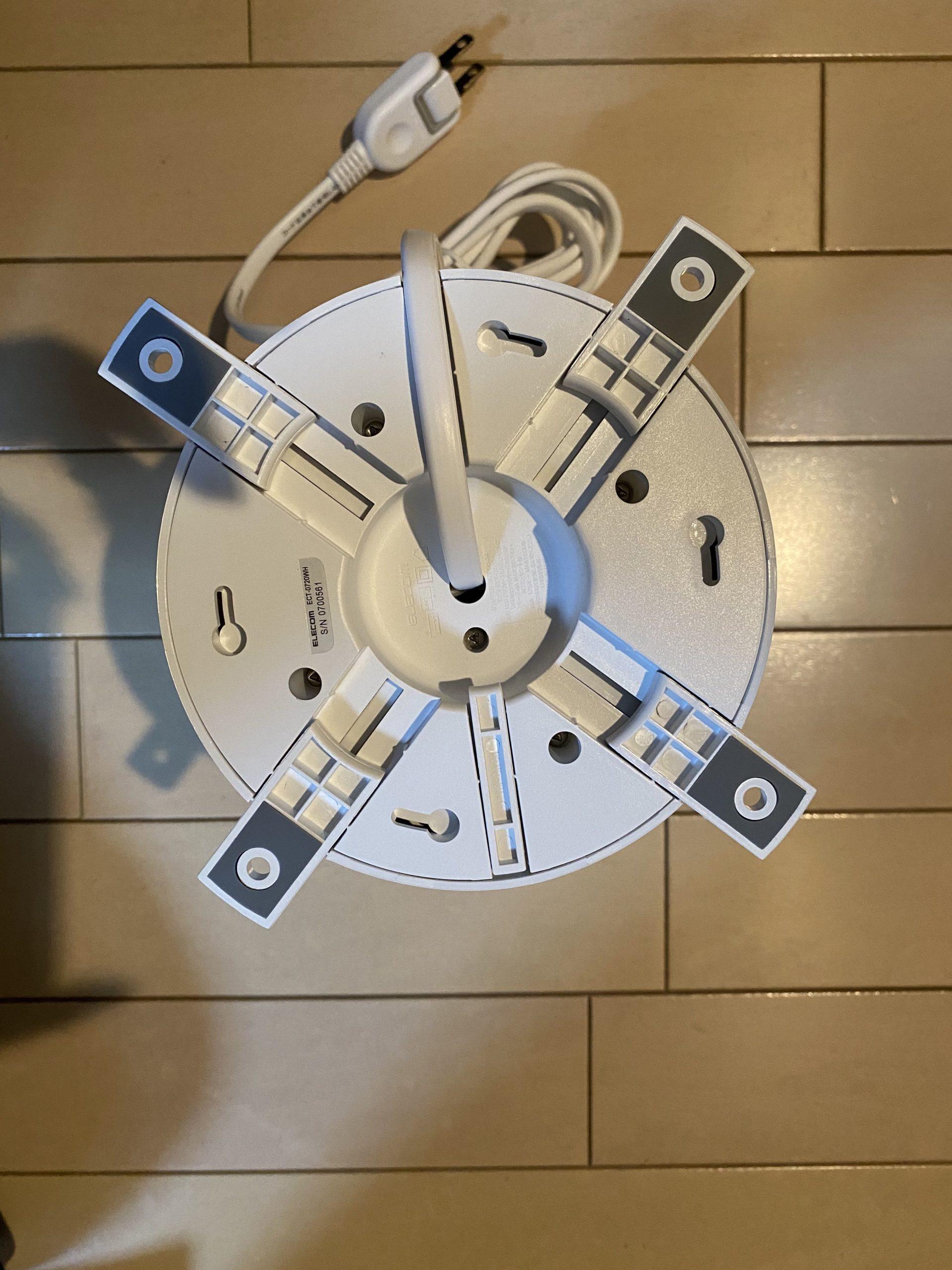 エレコムのタワー型電源タップ ECT-0720WH背面3